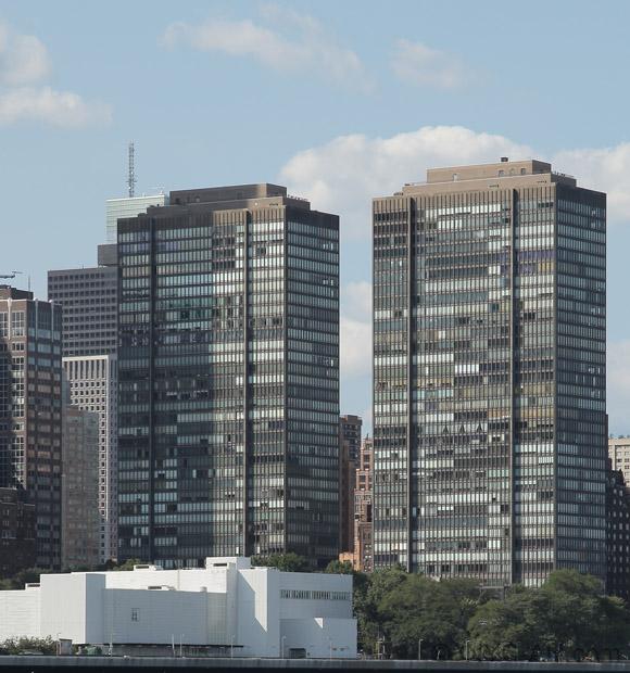 860 U N Plaza Apartments